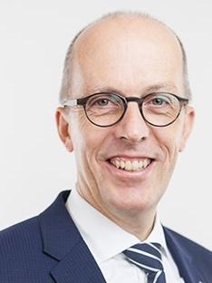 Heinz Wiedmer, Sekretär/in
